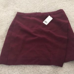 Banana republic burgundy skirt size 6